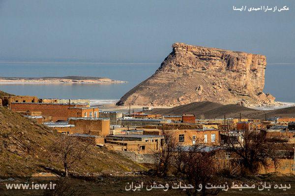 941221 daryache 21 به گفته عکسی از آخرین اوضاع دریاچه ارومیه در اسفندماه  ۱۳۹۴