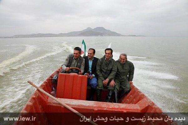 950123 daryache 2 دسترسی به جزایر دریاچه ارومیه بوسیله قایق میسر شد + تازه ترین و جدیدترین تصاویر دریاچه