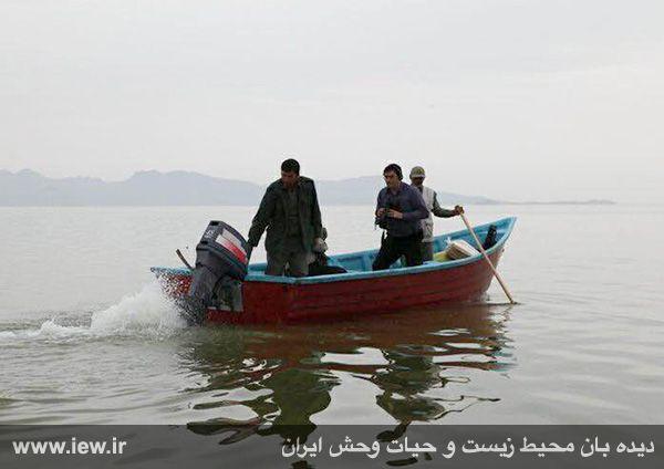 950123 daryache 3 دسترسی به جزایر دریاچه ارومیه بوسیله قایق میسر شد + تازه ترین و جدیدترین تصاویر دریاچه